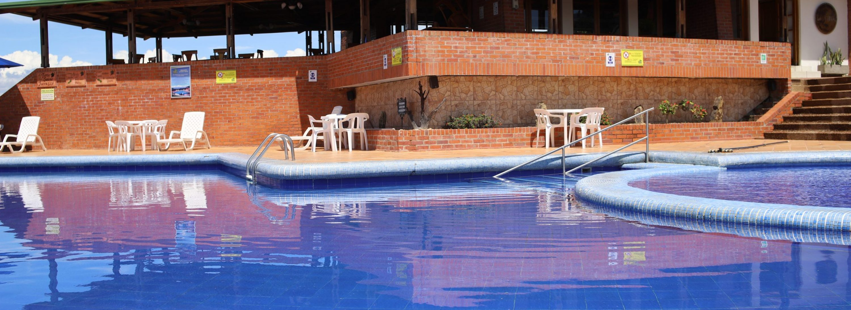 hotel-con-piscina